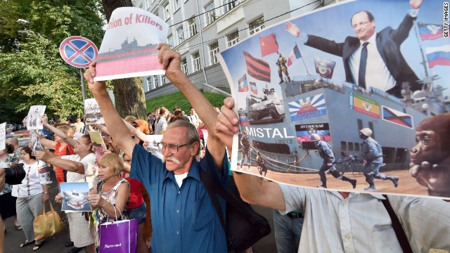 Ukrainian protesters at the French ambassador's residence in Kiev, protesting sale of Mistral warships to Russia, July 14, 2014.