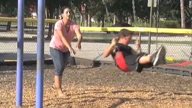 Mom lets son walk to park, gets arrested