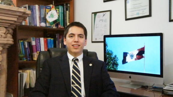 Andrew Almazán Anaya, 19, became a psychologist when he was 16 years old, and an MD soon after. Since then, he