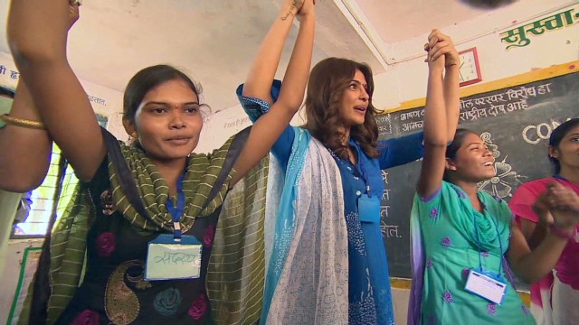 Actress inspires girls to aim high