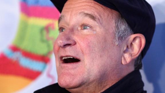 : Robin Williams arrives at the Happy Feet 2 Australian Premiere at Hoyts Cinema on December 4, 2011 in Sydney, Australia. (