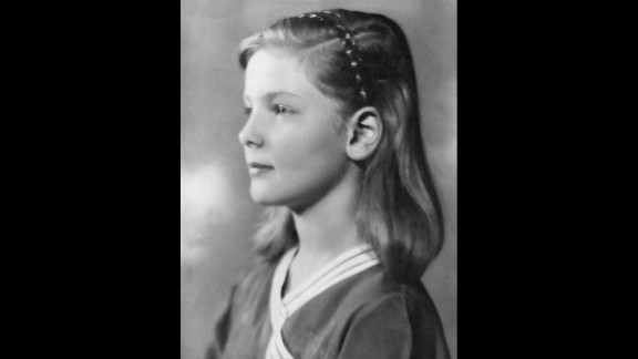 Bacall at age 10 in 1934, in her first professional portrait.
