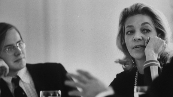 Bacall is interviewed in 1970 by Harvard students about Bogart.