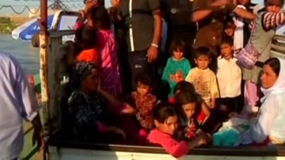 wrn anna coren iraqi refugees_00004717.jpg