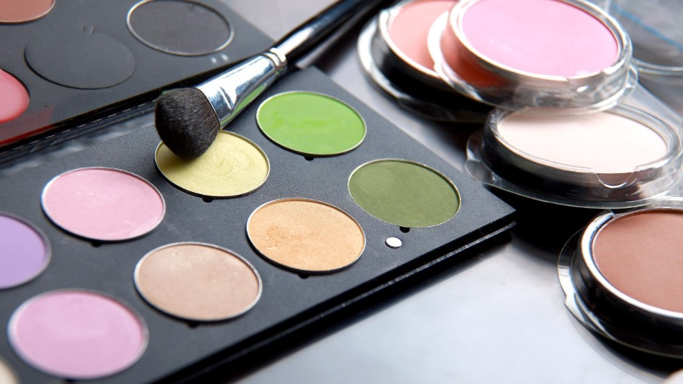 Police find animal waste in bootleg makeup