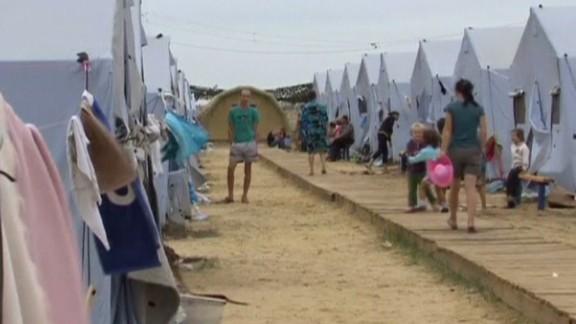 pkg walker ukraine refugees flee_00000224.jpg