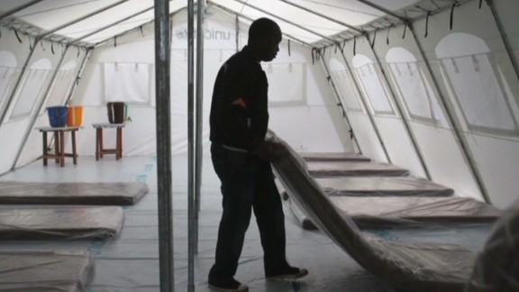 cnni intv ebola outbreak takes toll on economy_00055101.jpg