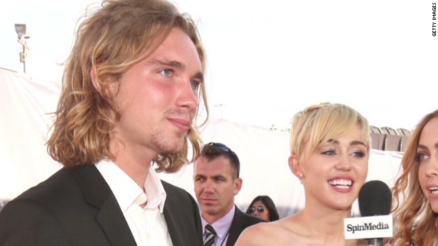 Miley Cyrus' date to VMAs wanted by cops