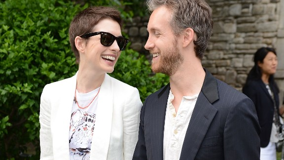 When Anne Hathaway wanted to create a low-key wedding, she made like Natalie Portman and headed for Big Sur in California. The Oscar winner didn