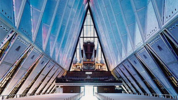 The organ of the United States Air Force Academy Cadet Chapel, Colorado Springs. Architects: Walter Netsch / Skidmore, Owings and Merrill.