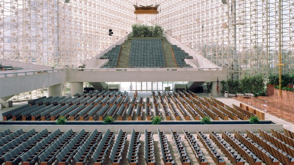 Crystal Cathedral, Garden Grove, Orange County, California. Architects: Philip Johnson, John Burgee.