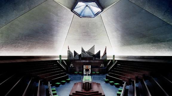 The North Christian Church, Columbus, Indiana. Architect: Eero Saarinen, who is son of Eliel Saarinen, architect of Columbus
