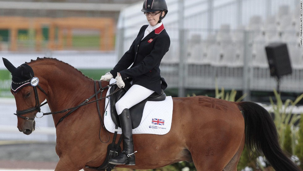 In para-dressage, Sophie Christiansen continued her dominance of the individual event with her fourth world title, while the Paralympic champion helped Britain continue its long unbeaten run in the team event with another victory. However, she was beaten to gold in the Grade 1a freestyle by Italy's Sarah Morganti.