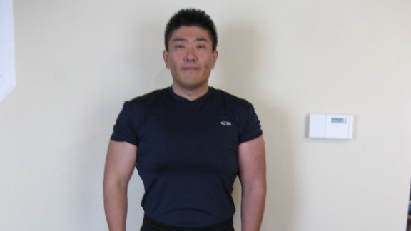 By cutting sugars and carbohydrates from his diet and lifting weights at the gym, Kirimoto was able to drop down to 189 pounds by 2011. But his fitness journey was just beginning.