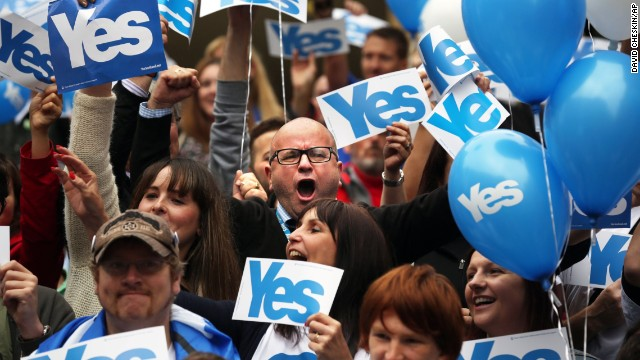 People gather during a pro-independence rally in Glasgow, Scotland, on September 17.