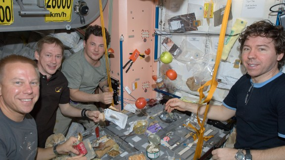 The food, water and oxygen supplies required for astronauts to survive in space results in heavy cargo -- a major challenge if there were to be a manned mission to Mars.