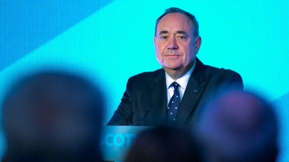 First Minister Alex Salmond delivers a speech to supporters at Our Dynamic Earth on September 19, 2014 in Edinburgh, Scotland.