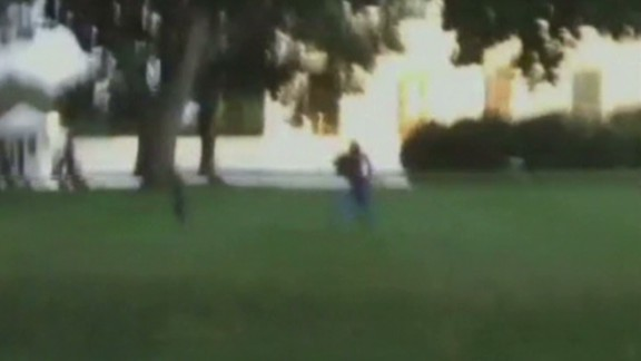 ac intv kosinski white house fence jumper video _00014418.jpg