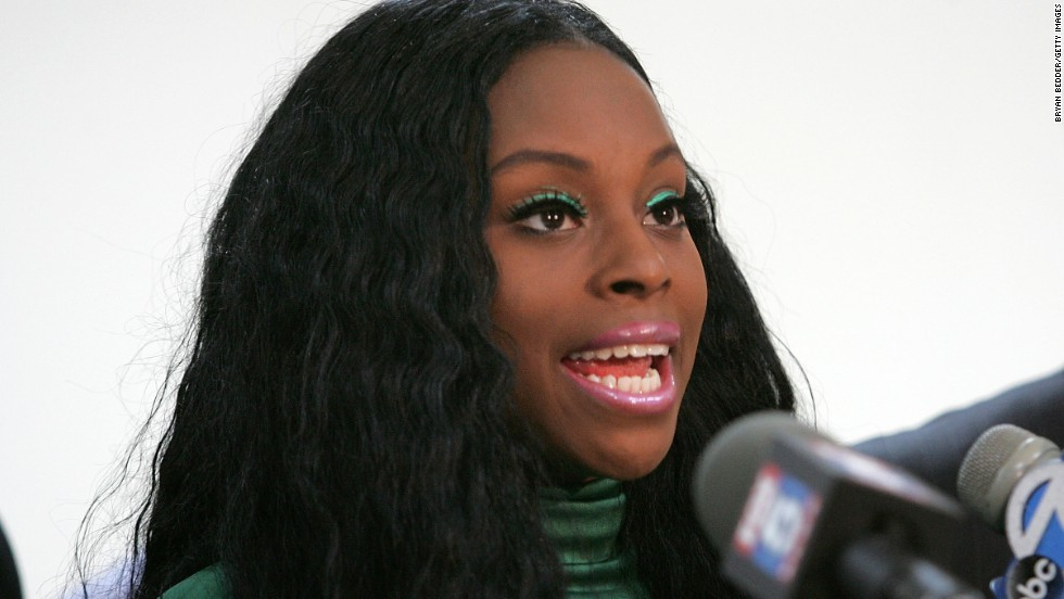 "<a href=""http://www.nydailynews.com/entertainment/gossip/foxy-brown-arrested-bad-mouthing-exposing-neighbor-arlene-raymond-article-1.442297"" target=""_blank"">Rapper Foxy Brown was arrested in 2010 </a>after allegedly exposing herself to a neighbor in her Brooklyn neighborhood after a dispute."