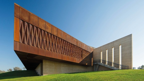 The private Garangula Gallery in Harden, New South Wales, Australia, houses a large collection of aboriginal arts. <br /><strong>Category: </strong>Culture<br /><strong>Architects: </strong>Fender Katsalidis Mirams Architects (Australia)