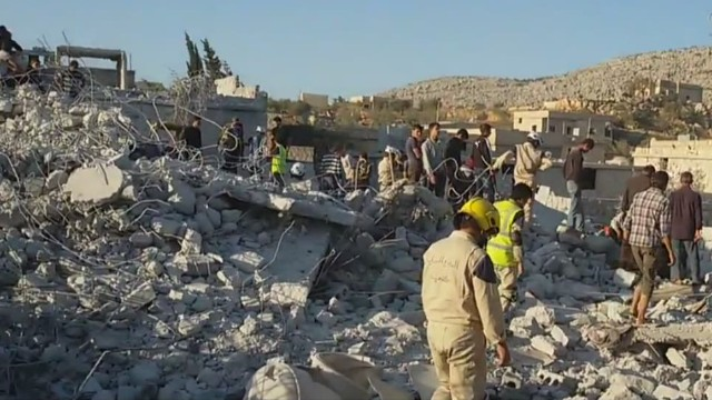 Syria: Civilians caught in airstrikes