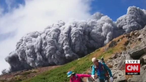 japan mount ontake volcano erupts_00002321.jpg