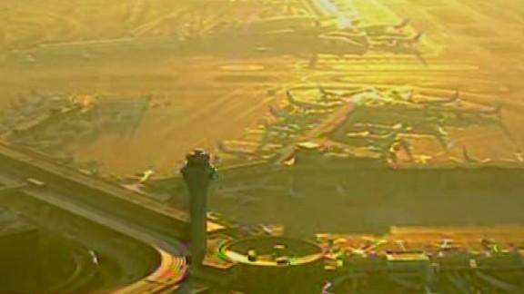 tsr dnt marsh air travel chicago disruptions_00001419.jpg