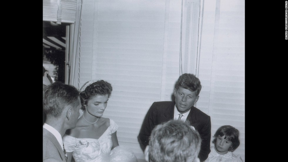 John and Jacqueline Kennedy\'s wedding photos auctioned - CNN