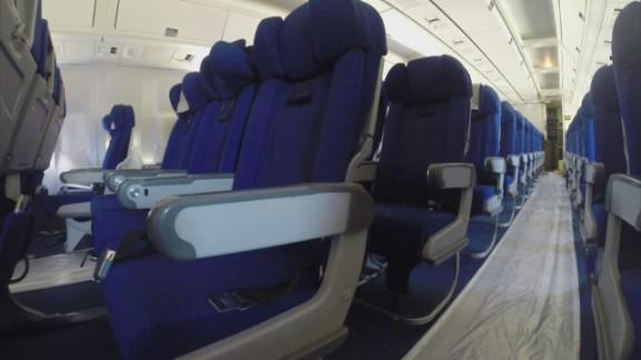 pkg simon ebola on an airplane_00001912.jpg