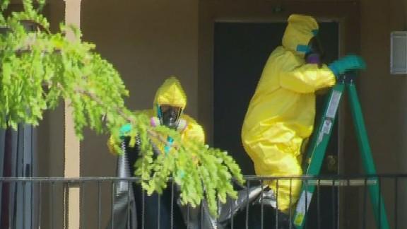 lead dnt savidge ebola apartment hazmat teams_00015211.jpg