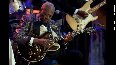"B.B. King plays during a celebration of Blues music and in recognition of Black History Month as part of their ""In Performance at the White House"" series in Washington, DC,  February 21, 2012.        AFP PHOTO/Jim WATSON (Photo credit should read )"