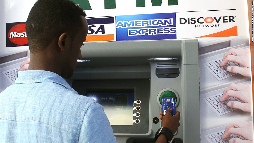 The first-ever cash withdrawal machine in Mogadishu has been installed by the Salaam Somali Bank in an upmarket hotel.