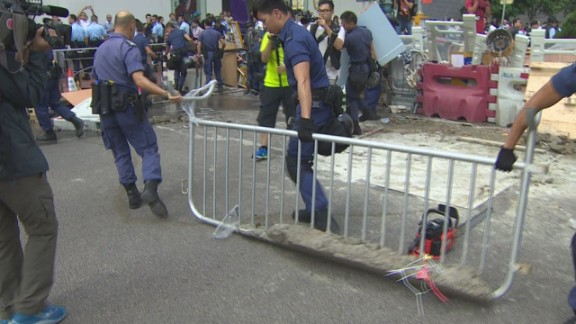 pkg stout hong kong barricades removed _00001607.jpg
