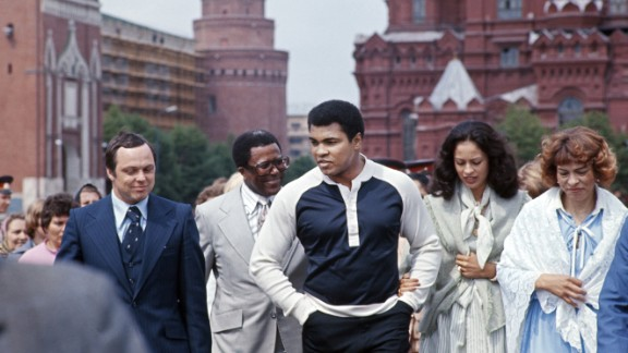 Ali and his third wife, Veronica, second from right, visit the Kremlin in Moscow in June 1978. The two were married from 1977 to 1986. Ali was married four times.