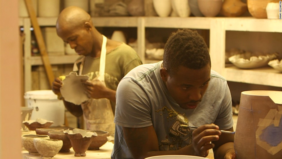 The country's craft sector plays an important economic role, employing approximately 38,000 people.
