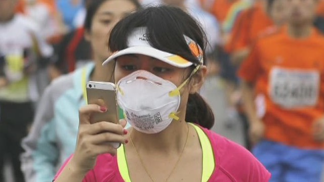 Marathon runners affected by pollution