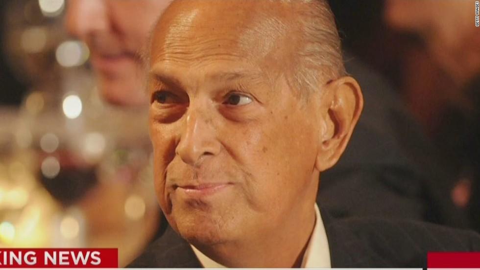 Fashion Designer Oscar De La Renta Dies At 82 Cnn