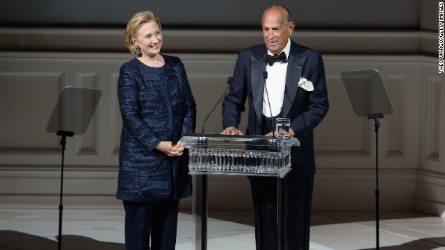 Hillary Clinton joined Oscar de la Renta onstage at the CFDA Fashion Awards on June 3, 2013 in New York.