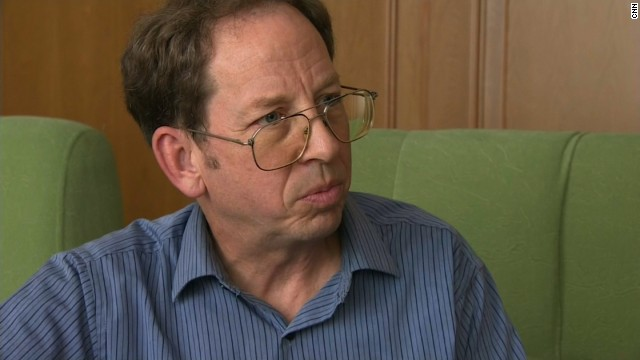 Jeffrey Fowle, an American arrested in North Korea in May for leaving a bible at his hotel, has been released and is on his way home, a senior State Department official told CNN on Tuesday.