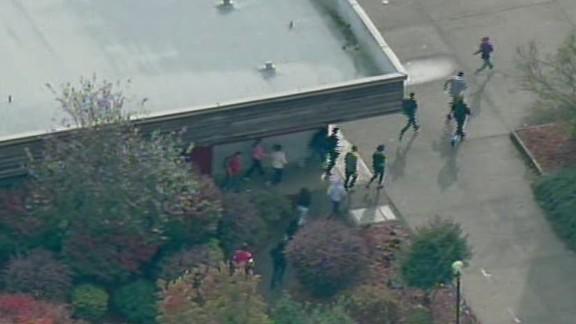 sot nr wa marysville pilchuck shooting students running _00000704.jpg