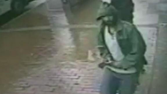 tsr nyc police hatchet attack terror_00000823.jpg