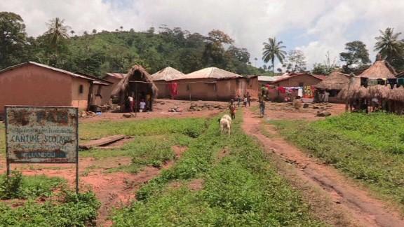 pkg kinkade guinea ebola ground zero_00003402.jpg