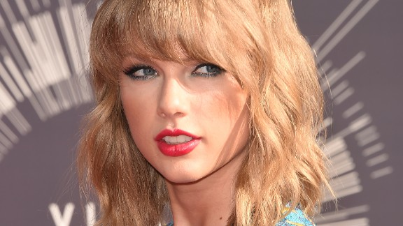 Singer Taylor Swift attends the 2014 MTV Video Music Awards at The Forum on August 24, 2014 in Inglewood, California.