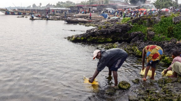 Despite being located on the banks of the 1,600-foot deep Lake Kivu, residents of Goma have little access to drinking water. Clean water is essential for Jados