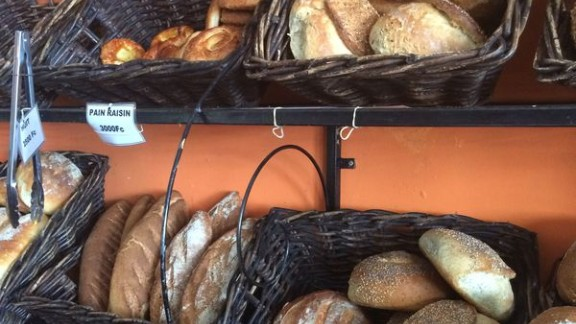 When Jados returned to Goma from Belgium, where she had finished school and gone on to study law, she set about building a bakery which would provide the freshest bread in town. Whilst bread was available from small shops, she saw an opportunity to sell freshly baked loafs like she had grown accustomed to in Europe.