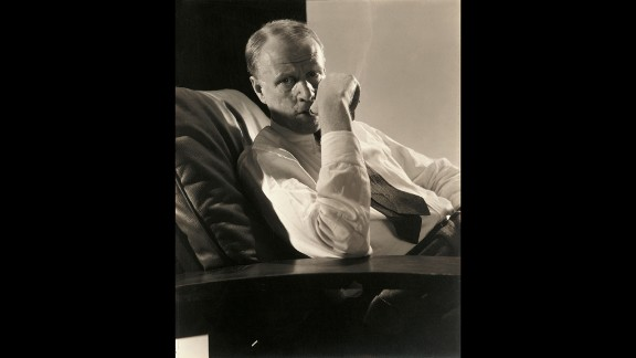 This portrait of the writer Sinclair Lewis, pictured in Vanity Fair, December 1, 1932, shows Steichen's talent for capturing a brief but telling moment.