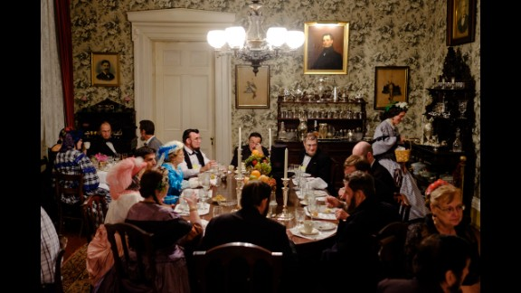After arriving at the mansion at Lansdowne Plantation, some of the Lincolns unbuttoned their long suit coats and sat down for dinner.