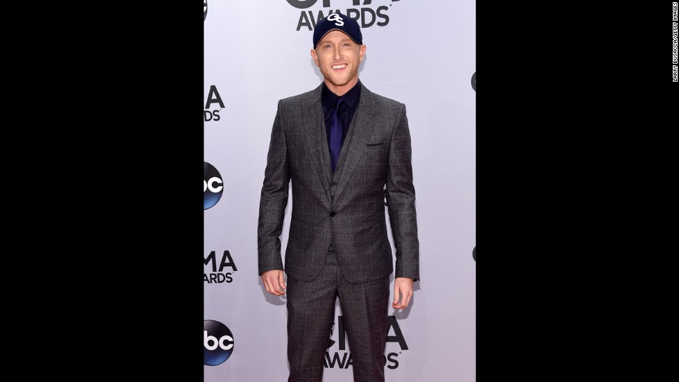 Cole Swindell is nominated for new artist of the year.