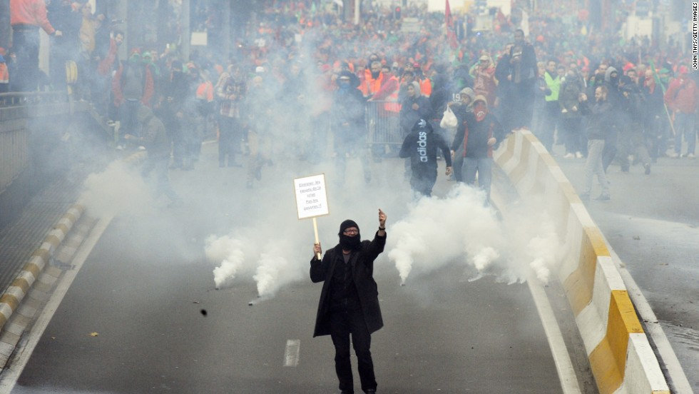 As many as 120,000 protesters took part in a huge protest in Brussels on November 6, a mass march against the new center-right government's austerity policies.
