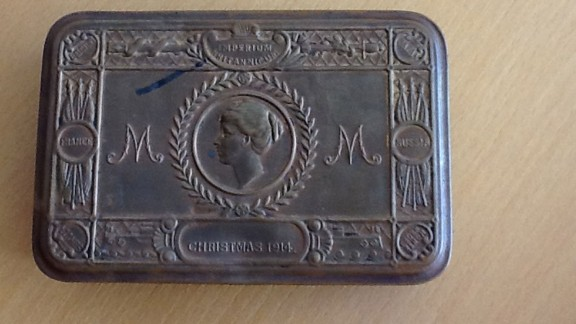 This box, which was one of 2.5 million sent to British troops in the trenches during World War One, belonged to Richard McFadden. McFadden was a footballer for Clapton Orient who lost his life at the Battle of the Somme in 1916.